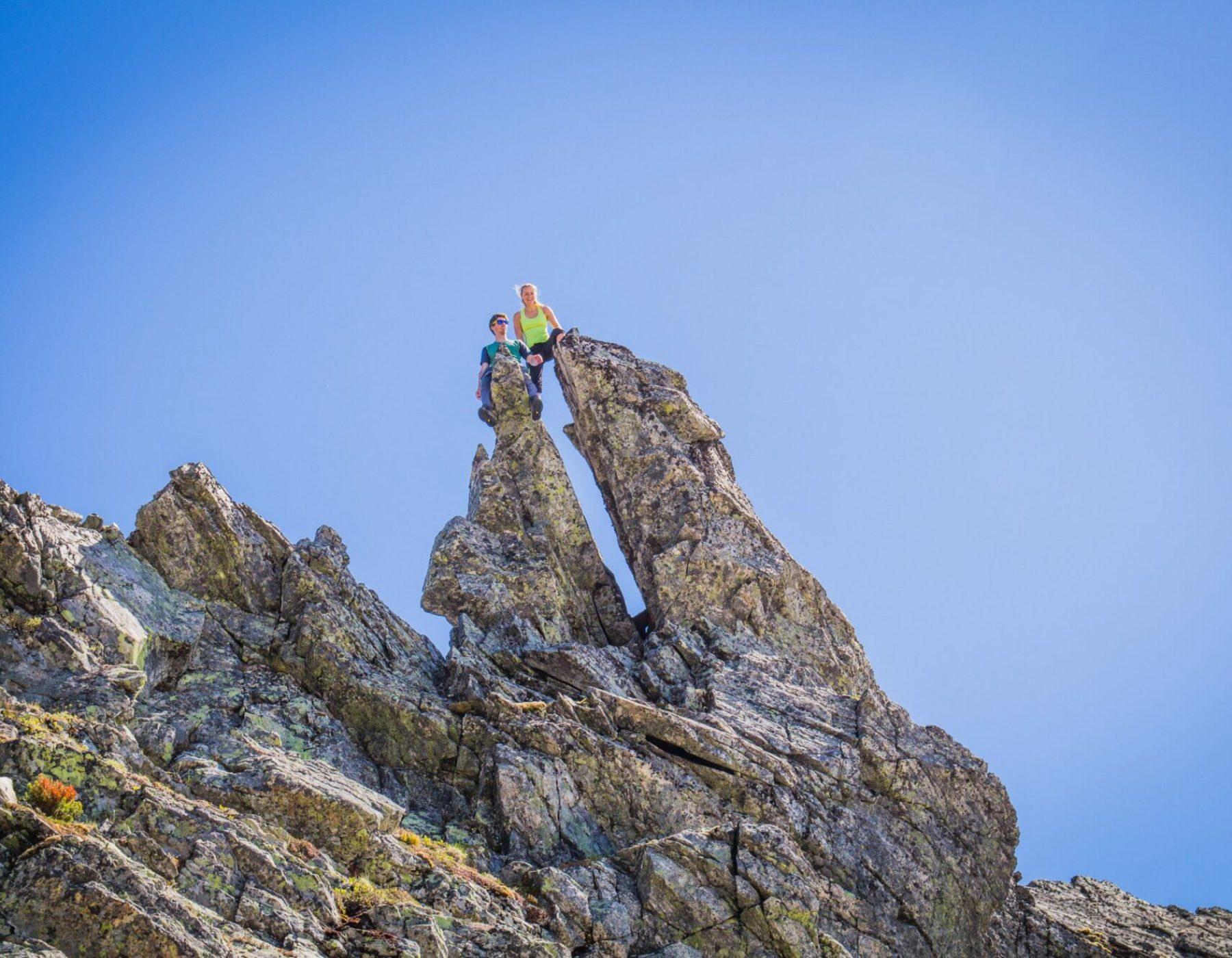 """Kjekke fjellformasjonar som ein """"berre må"""" opp på."""