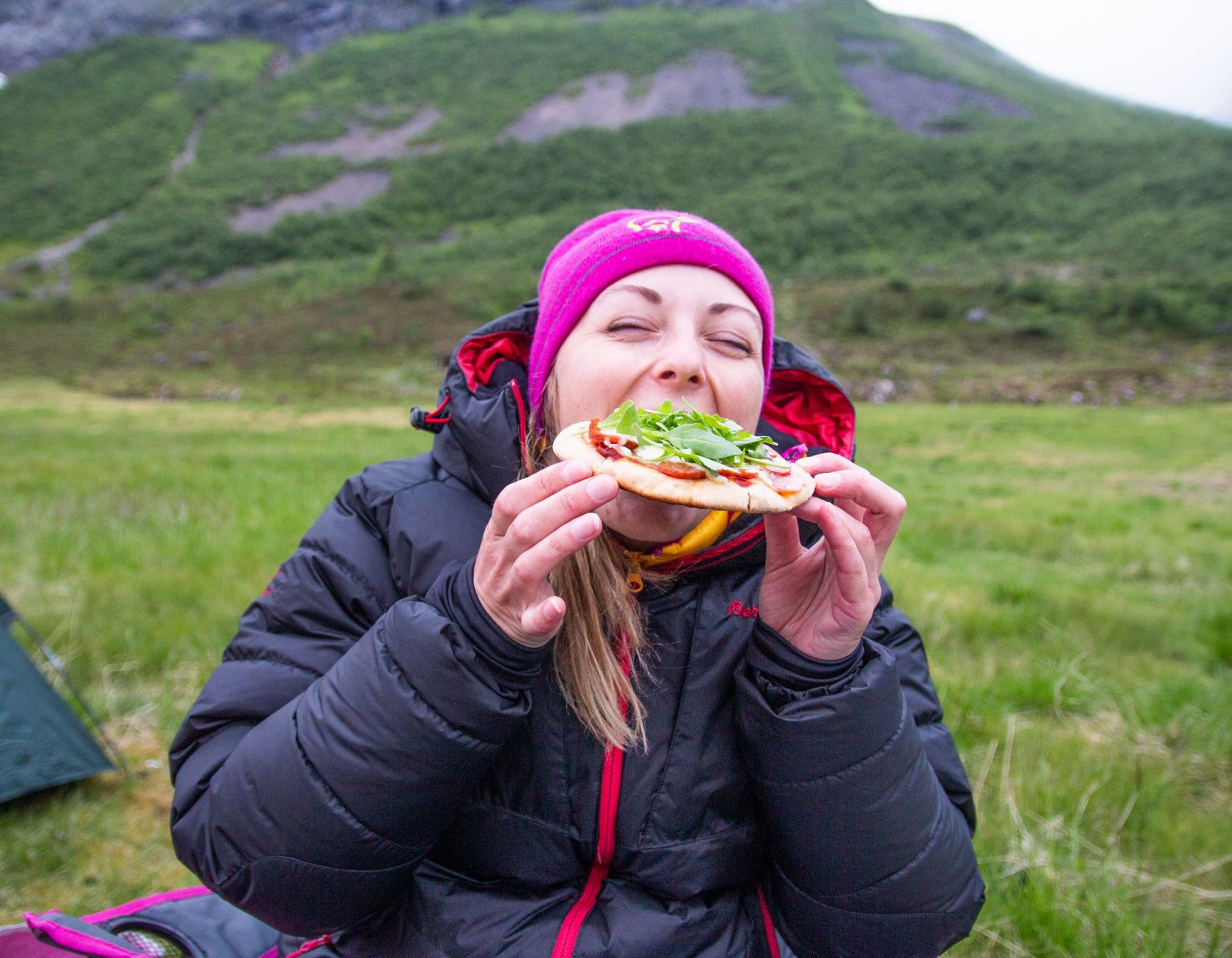Pita-pizza på primus er ikkje feil!